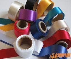 Текстильные ярлыки из синтетических материалов